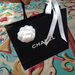 Photo taken at CHANEL Boutique by Hikmet Emre K. on 8/12/2014