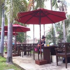 Photo taken at โรงแรมปูนนกันต์ | อ.แม่สอด จ.ตาก by Siwapon L. on 5/28/2013