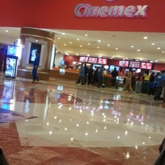 Photo taken at Cinemex by Ivan H. on 1/21/2013