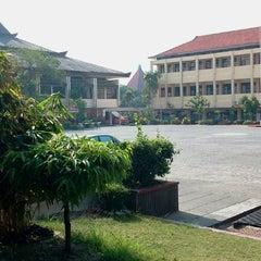 Photo taken at Universitas 17 Agustus 1945 (UNTAG) by Asari A. on 11/9/2012