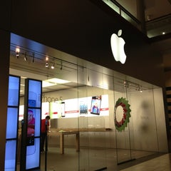 Photo taken at Apple Store, Arrowhead by Built F. on 12/31/2012