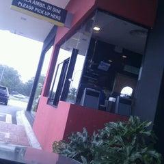 Photo taken at McDonald's by KL Wong on 4/23/2013
