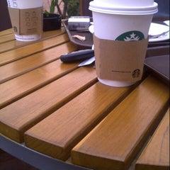 Photo taken at Starbucks   ستاربكس by Jhoana N. on 12/21/2012
