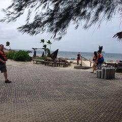 Photo taken at เกาะนางยวน รีสอร์ท | Koh Nang Yuan Dive Resort by Stella L. on 6/25/2015