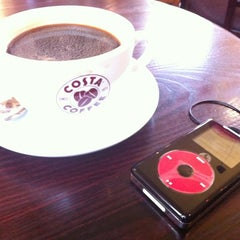 Photo taken at Costa Coffee by Martin B. on 10/24/2012