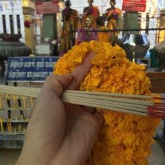 Photo taken at วัดหลวงพ่อโอภาสี (สวนอาศรมบางมด) Wat Luang Por Opasee by Jirayudech L. on 11/15/2015