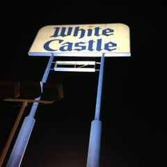 Photo taken at White Castle by Dylan Y. on 6/2/2013