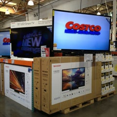 Photo taken at Costco by Harvey C. on 11/11/2012