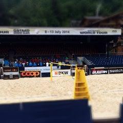 Das Foto wurde bei FIVB Gstaad Center Court von Zane S. am 7/9/2014 aufgenommen