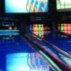 Photo taken at Bowlmor Lanes Union Square by Veronica on 4/26/2013