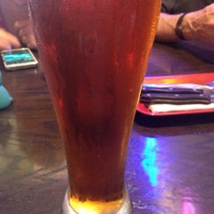 Photo taken at Red Robin Gourmet Burgers by Steven H. on 5/10/2015
