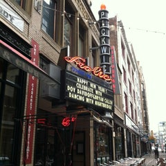 Photo taken at Hilarities 4th Street Theatre by Brian W. on 12/31/2012