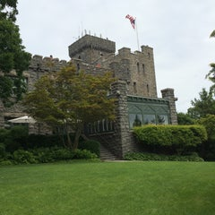 Photo taken at The Castle on the Hudson by Hiromi Y. on 6/4/2015