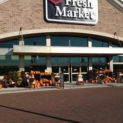 Photo taken at D&W Fresh Market by Dennis K. on 10/8/2012