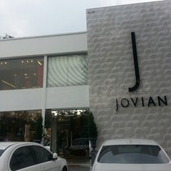 Photo taken at Jovian Mandagie Designer Boutique by Louis D. on 7/8/2013