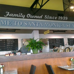 Photo taken at Santa Monica Seafood by Su C. on 3/4/2014