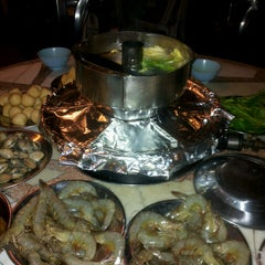 Photo taken at MK Garden Steamboat 青叶 by Amay h. on 12/9/2012