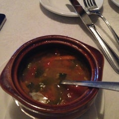 Photo taken at Bravo Italian Restaurant by Jessie O. on 11/21/2012