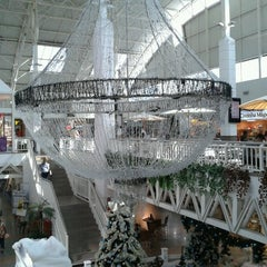 Photo taken at Shopping Benfica by Mauricio F. on 12/6/2012