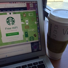 Photo taken at Starbucks by Victor S. on 6/28/2014