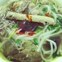 Photo taken at Bún bò giò heo Huế by Noong M. on 6/7/2013