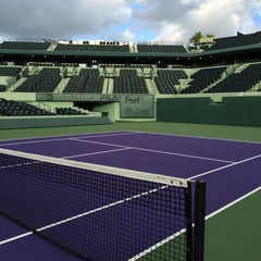 Photo taken at Grandstand Court - Sony Ericsson Open by Sergio C. on 11/30/2014