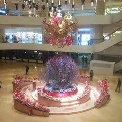 Photo taken at Pacific Place 太古廣場 by Jerry C. on 2/4/2013