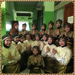 Photo taken at SMA Negeri 68 Jakarta by Atika N. on 9/8/2013