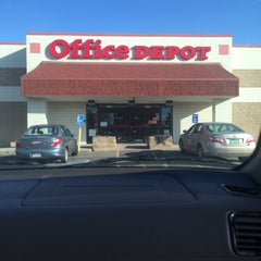 Photo taken at Office Depot by Teri C. on 12/18/2014