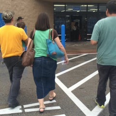 Photo taken at Walmart Supercenter by Hak Y. on 7/31/2014