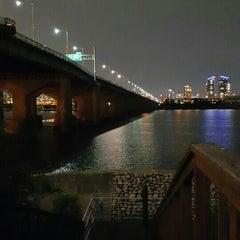 Photo taken at 잠실대교 (Jamsil Bridge) by Ji Eun A. on 6/29/2015