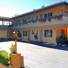 Photo taken at Best Western Carmel's Town House Lodge by Best Western Carmel's Town House Lodge on 8/24/2015