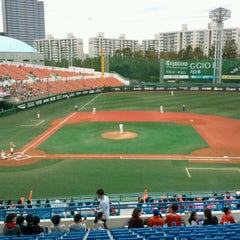 Photo taken at 목동야구장 (Mokdong Baseball Stadium) by You Kyung L. on 9/16/2012