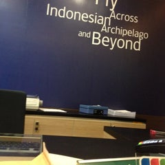 Photo taken at Garuda Indonesia Sales & Ticketing Office by Lercy L. on 10/24/2014