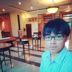 Photo taken at โรงแรมกานต์มณี พาเลซ (Karnmanee Palace) by FouReye-za C. on 3/7/2015