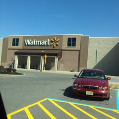 Photo taken at Walmart Supercenter by Cordelia H. on 4/21/2014