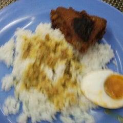 Photo taken at Restoran Ukhwah 1Malaysia by mhb151186 M. on 1/10/2012