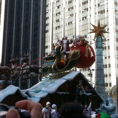 Photo taken at Macy's Parade & Entertainment Group by Guillermo G. on 11/22/2012