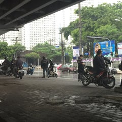 Photo taken at ธนาคารกรุงเทพ (Bangkok Bank) by zin t. on 10/20/2015