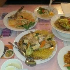 Photo taken at China First Restaurant 又一村海鮮小館 by Jordan A. on 6/13/2013
