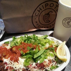 Photo taken at Chipotle Mexican Grill by Mi J. on 4/16/2013