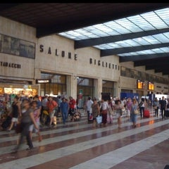 Photo taken at Stazione Firenze Santa Maria Novella by Giant CHAT on 11/27/2012