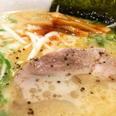 Photo taken at 牛骨ラーメン 香味徳 by Macotoo S. on 3/15/2015