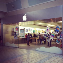 Photo taken at Apple Store, Maine Mall by Rachel C. on 5/26/2013