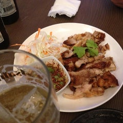 Photo taken at タイ屋台居酒屋 マリ by Tong C. on 10/19/2012