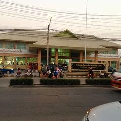 Photo taken at สถานีขนส่งผู้โดยสารเชียงใหม่ แห่งที่ 2 (อาเขต) Chiangmai Bus Terminal 2 (Arcade) by NoOMayy* M. on 2/20/2013