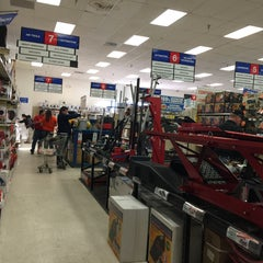 Photo taken at Harbor Freight Tools by Nathan B. on 1/18/2015