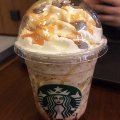 Photo taken at Starbucks by 망고송이 I. on 1/15/2015