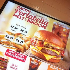 Photo taken at Wendy's by Dafne D. on 11/29/2014