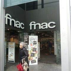 Photo taken at Fnac by Hector H. on 1/15/2013